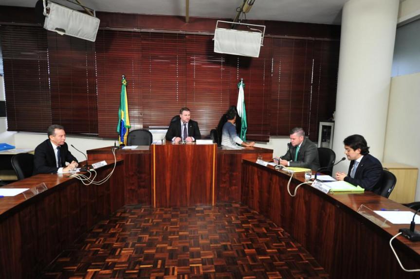 Reunião da Comissão de Ciência, Tecnologia e Ensino Superior da Assembleia Legislativa do Paraná (ALEP).