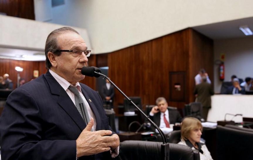 Deputado Jonas Guimarães (PMDB), presidente da Comissão de Finanças.