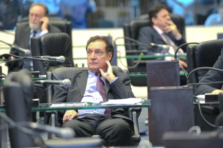 Deputado Ademir Bier (PMDB), 2º secretário.