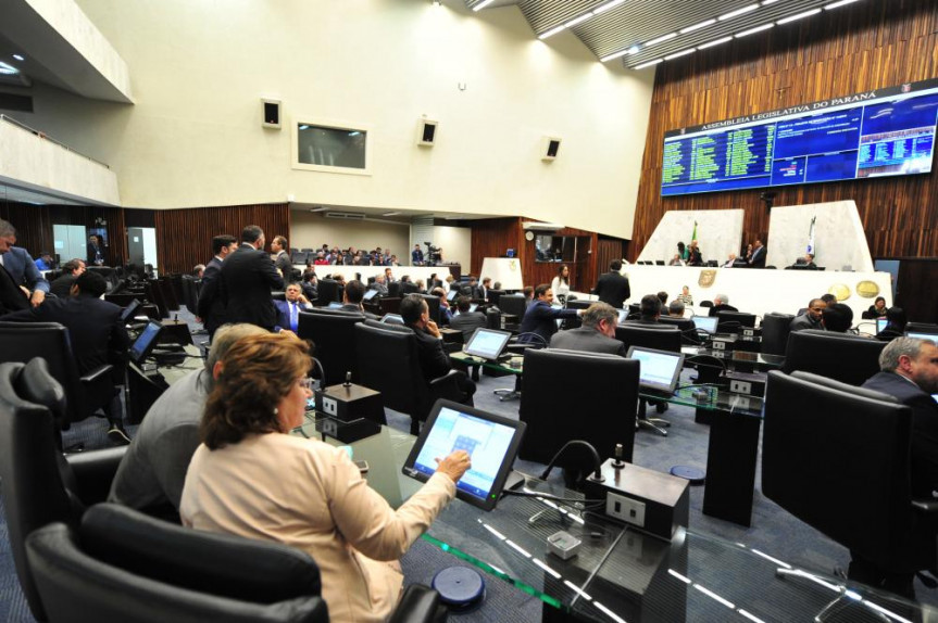 Criação da Procuradoria da Mulher na Assembleia Legislativa do Paraná é aprovada na sessão desta terça-feira (25).