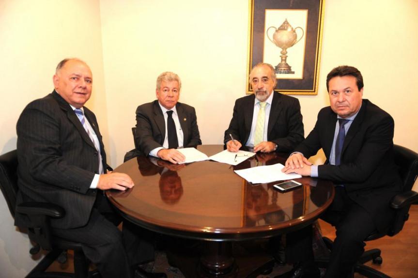 Deputados Schiavinato (PP), Scanavaca (PDT), Rasca Rodrigues (PV), e  Marcio Nunes (PSC).