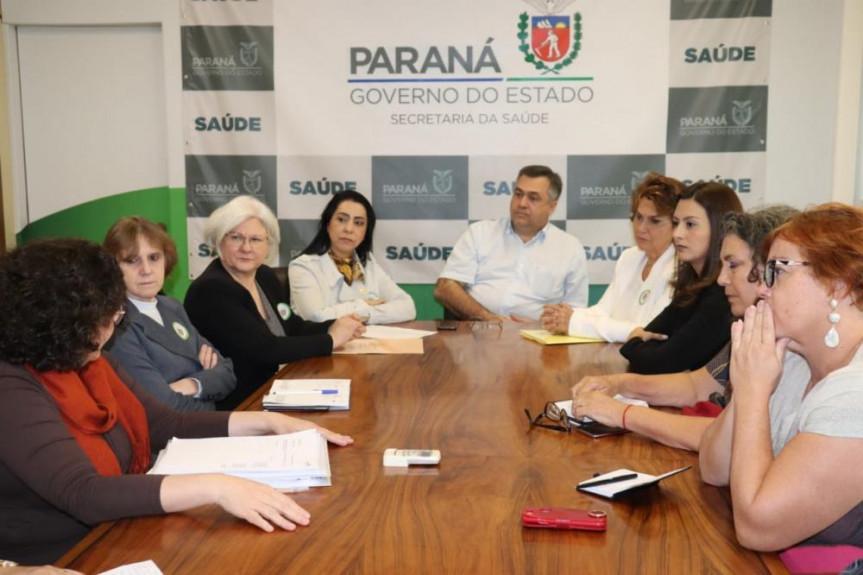 Em reunião com deputadas e lideranças estaduais, Secretário de Saúde, Beto Preto, garantiu que médicos serão treinados para ampliar e aperfeiçoar estes atendimentos.