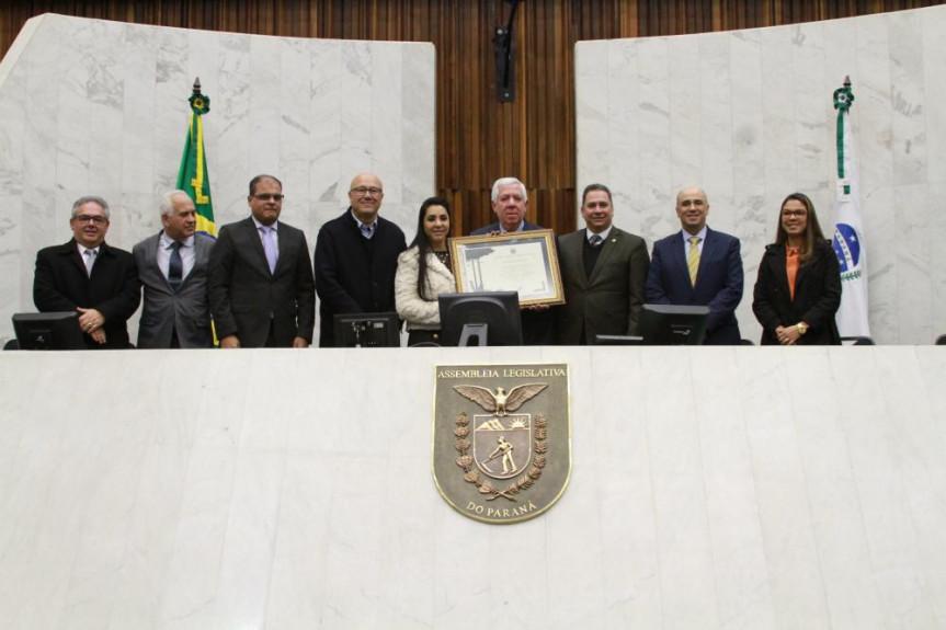 Sessão solene celebrou o Jubileu de Álamo da igreja Assembleia de Deus, fundada na capital paranaense em 1929.