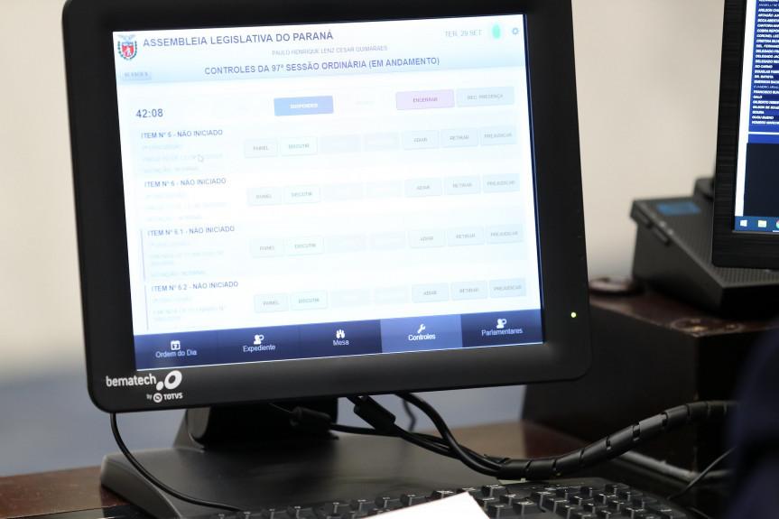 Deputados iniciam análise da LDO com emenda que garante recursos para a compra de vacina contra a covid-19.