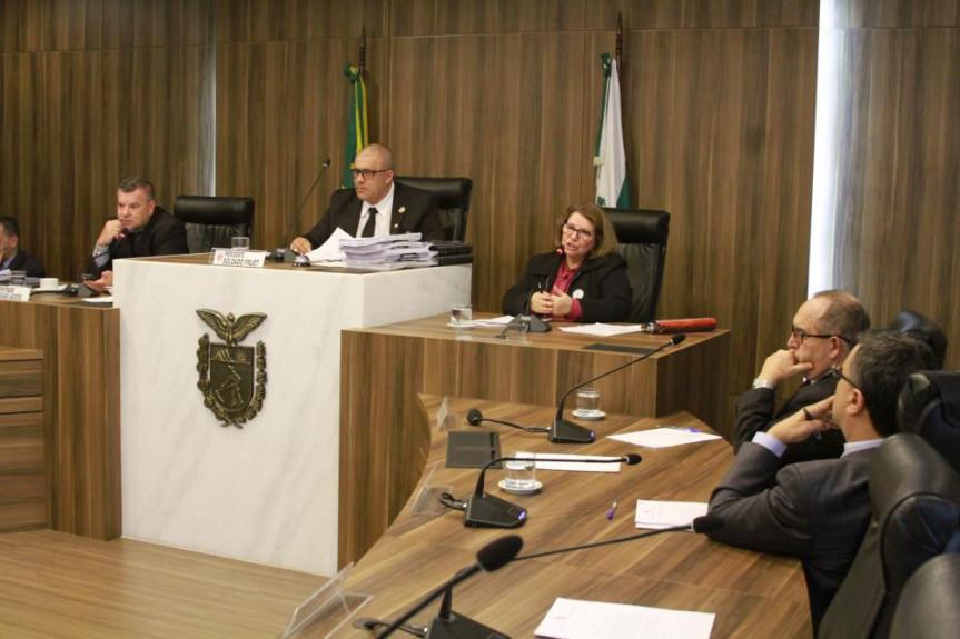 A pregoeira Maria Carmem Carneiro de Melo foi uma das ouvidas pela CPI da JMK nesta terça-feira (13).