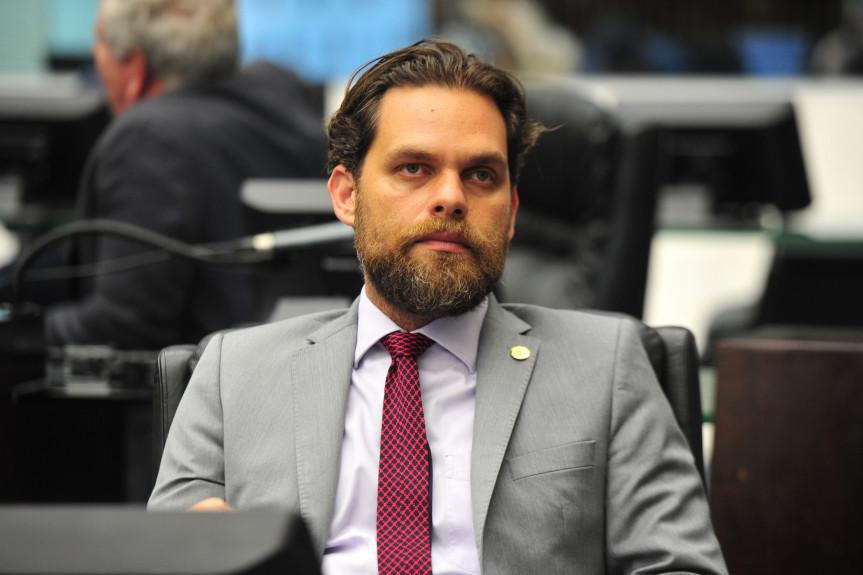 Deputado Goura (PDT) um dos autores do projeto de lei que inclui no Calendário Oficial de Eventos o Estado do Paraná a Feira de Artesanato e Alimentação de Foz do Iguaçu.