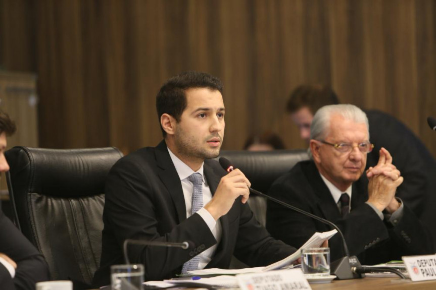 Deputado Paulo Lito (PSDB) relator na CCj das 32 emendas apresentadas ao projeto que trata da licença-prêmio dos servidores do Executivo.