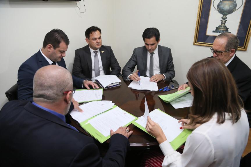 Reunião da Comissão de Defesa do Consumidor da Alep.