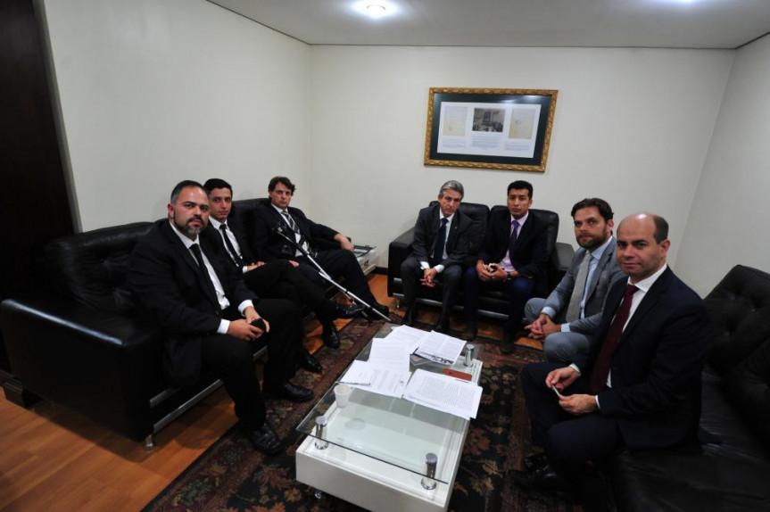 Deputados que integram a Comissão de Direitos Humanos e da Cidadania da Assembleia Legislativa do Paraná.