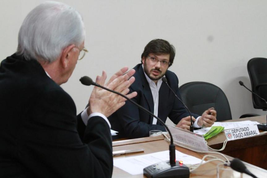 Deputado Tiago Amaral (PSB), relator na Comissão de Finanças dos projetos de lei que tratam dos vencimentos dos servidores.