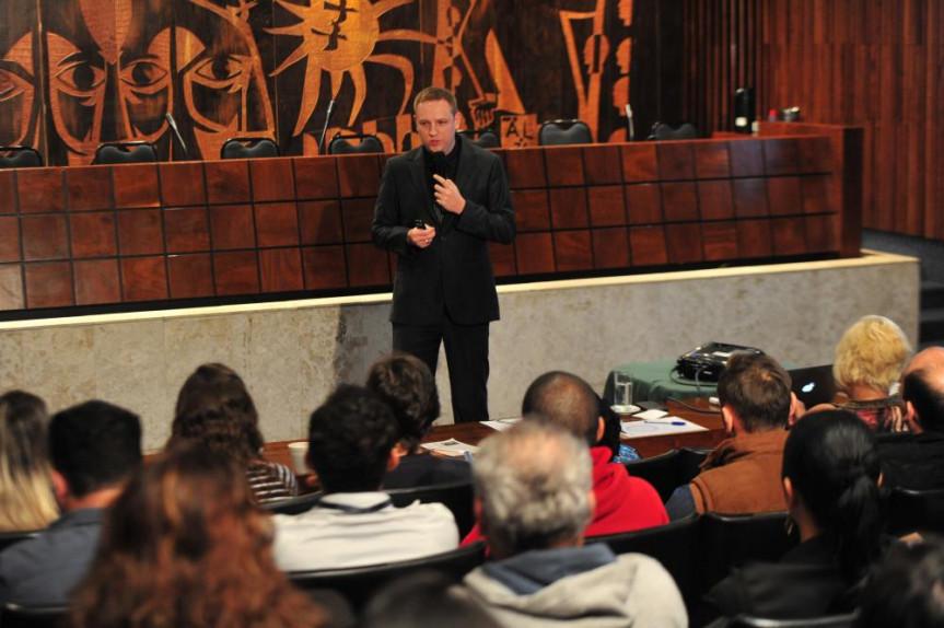 Workshop sobre gestão de tempo foi ministrado por Andrey Orloski na manhã desta quinta-feira (29) na Alep.