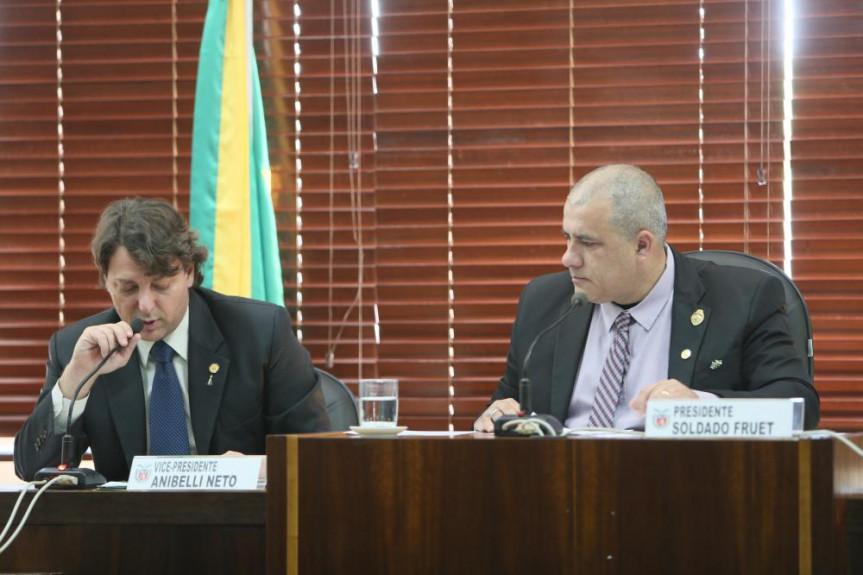 Deputado Anibelli Neto, relator do PL que cria o Circuito Cicloturístico do Alto do Iguaçu, e deputado Soldado Fruet, presidente da Comissão de Turismo.