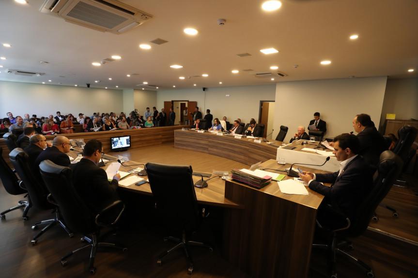 Reunião da CCJ desta segunda-feira (17) deu início às discussões de projetos do Poder Executivo