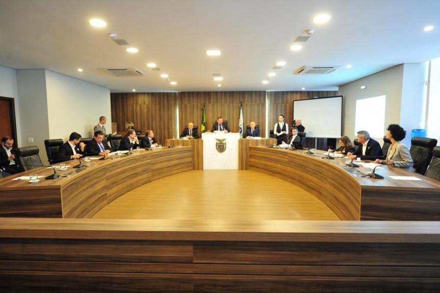 Acordo entre Paraná e Portugla aconteceu durante reunião da Comissão de Ciência e Tecnologia e Ensino Superior que debateu o anteprojeto de Lei da Inovação.