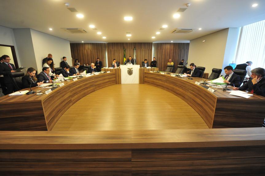 Deputados que integram a Comissão de Constituição e Justiça (CCJ) da Assembleia Legislativa do Paraná se reúnem pela primeira vez no ano nesta quarta-feira (05).