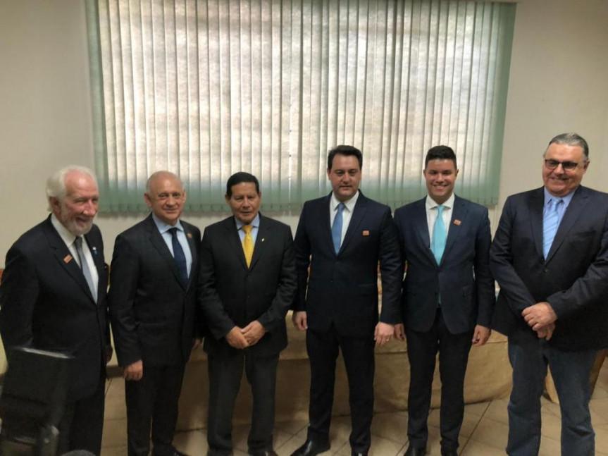Presidente da República em exercício, Hamilton Mourão, em sua primeira visita oficial ao Paraná para a solenidade dos 140 anos do Regimento Coronel Dulcídio da PMPR.