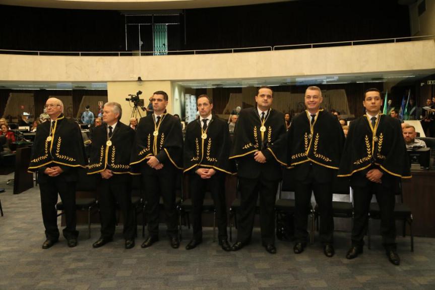 Sessão solene marcou o primeiro ano da Academia de Letras dos Militares Estaduais do Estado do Paraná.