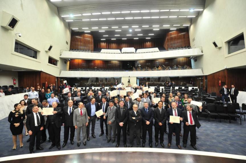 Sessão solene em comemoração aos 166 anos da Polícia Civil do Paraná.
