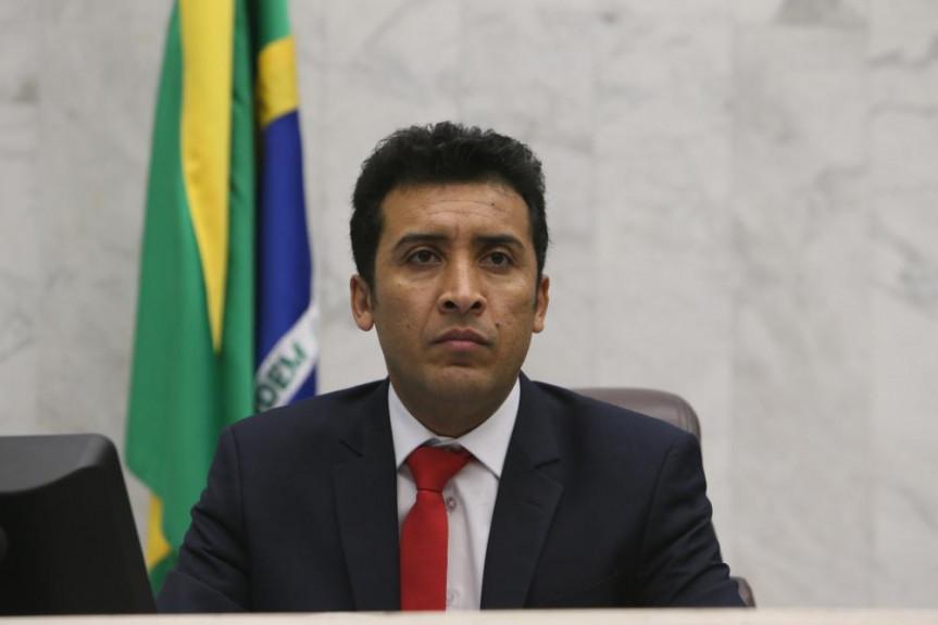 O deputado Soldado Adriano José falou sobre seus projetos durante entrevista à TV Assembleia.