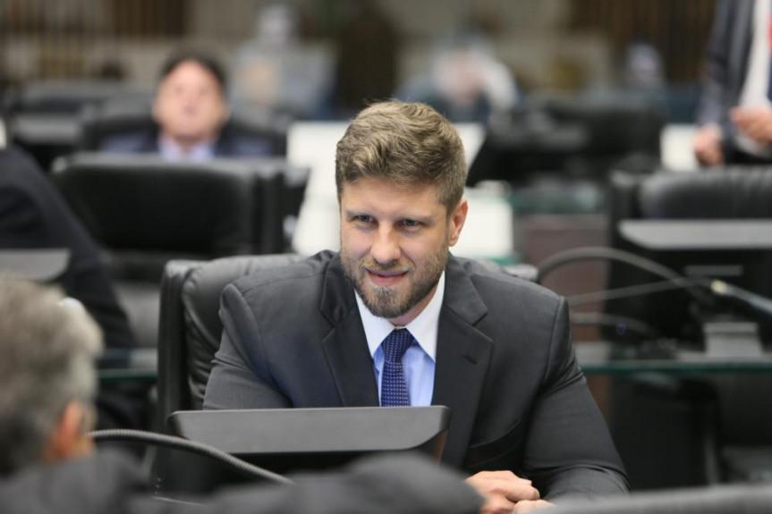 Deputado Requião Filho está pedindo apoio à PEC que trata do tema.
