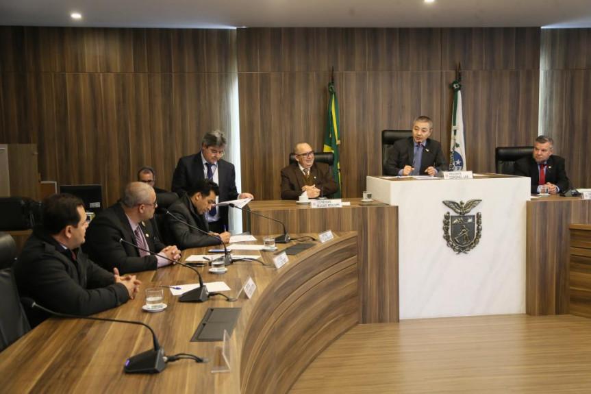 Deputados da Comissão de Segurança Pública se reuniram para a análise do projeto de lei que visa integrar os sistemas de controle de veículos em estacionamentos particulares.