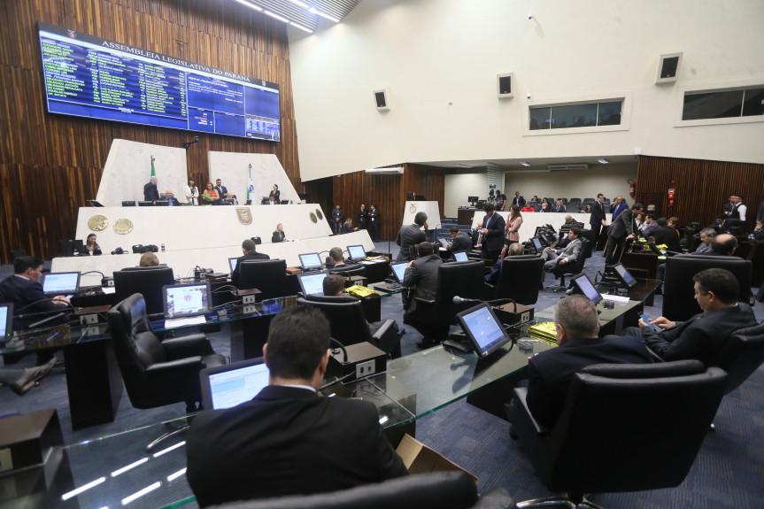 Duas sessões plenárias, uma ordinária e outra extraordinária, foram realizadas nesta terça-feira (17) na Assembleia Legislativa.