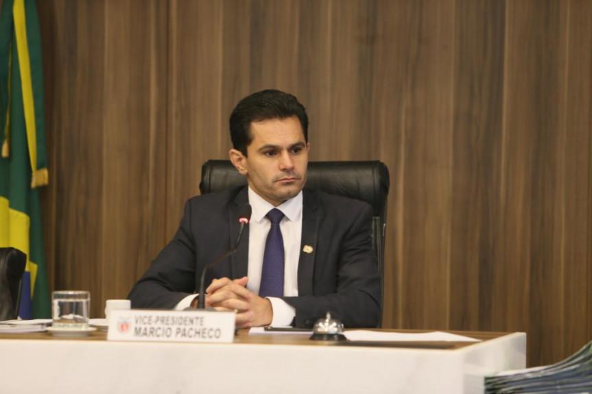Deputado Marcio Pacheco presidiu a reunião da Comissão de Constituição e Justiça (CCJ) desta terça-feira (18).