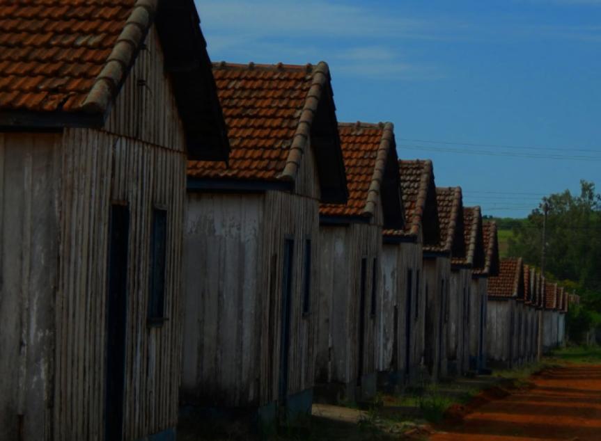 Exposição reúne obras sobre os patrimônios da mesorregião do Norte Pioneiro do Paraná.