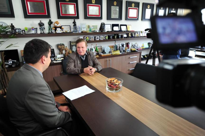 """Em entrevista ao programa """"Política Total"""", o deputado Mauro Moraes (PSD) fala sobre o início de sua trajetória como vereador de Curitiba e das expectativas em relação ao Legislativo."""