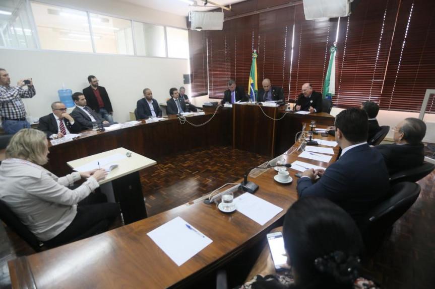 Delegado Benedito Gonçalves Neto falou aos deputados sobre os problemas verificados na manutenção dos veículos.