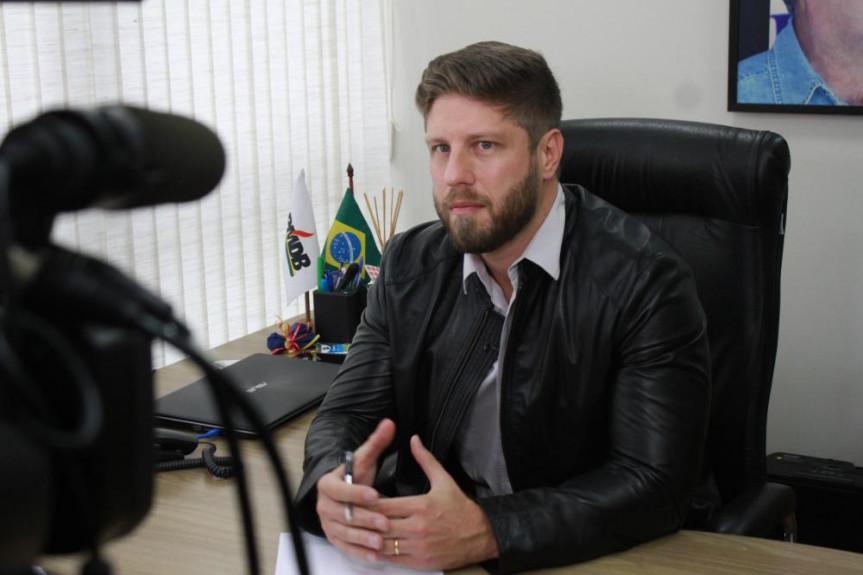 Deputado Requião Filho (MDB) fala sobre seus projetos, a atuação parlamentar e o futuro do MDB no programa Política Total da TV Assembleia.
