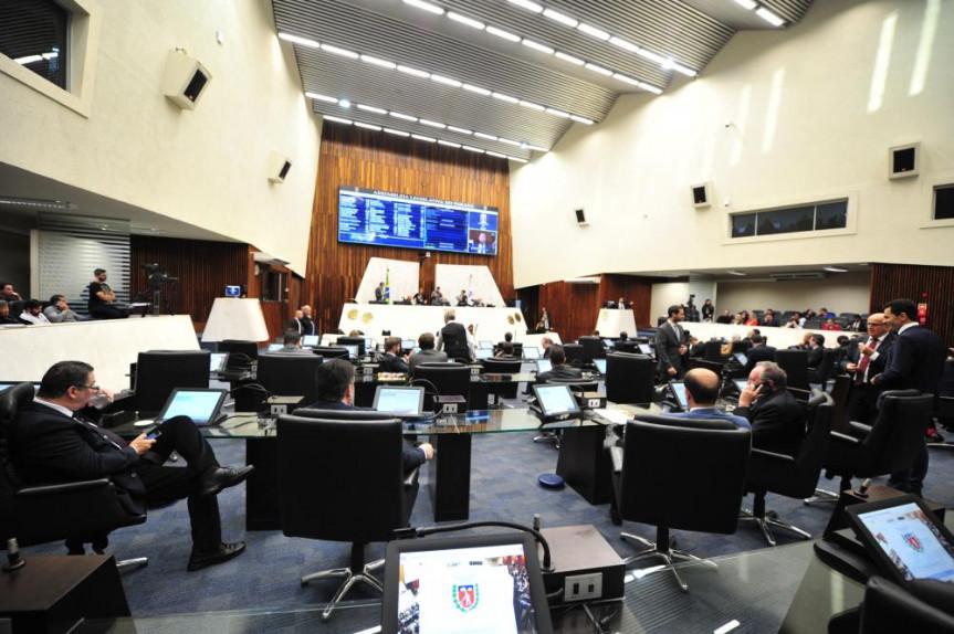Alep encerra semestre com 541 projetos de lei, oito projetos de lei complementar, 11 projetos de resolução e dez propostas de emenda à Constituição protocolados.
