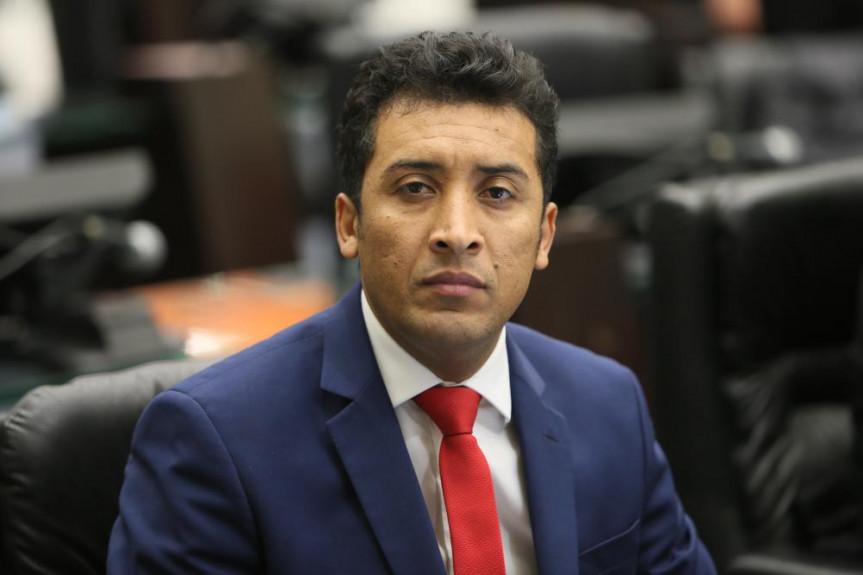 Deputado Soldado Adriano José (PV) quer que detentos paguem por danos materiais causados em presídios.