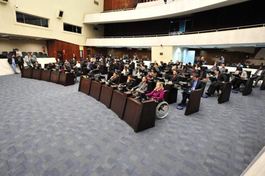 Estudantes contam as experiências de participar do Parlamento Universitário