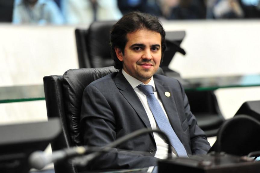 Deputado Luiz Fernando Guerra propõem Frente Parlamentar de bem-estar animal com o objetivo de ampliar o debate e aperfeiçoar as ações de proteção dos animais.