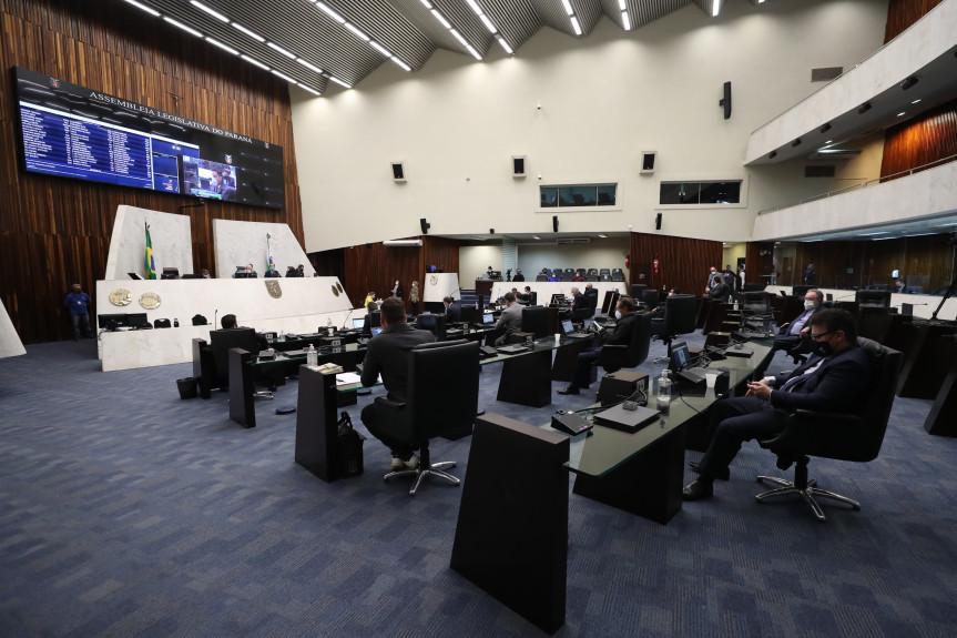 Deputados aprovam projeto que regulamenta aplicação dos recursos do Fundo Estadual do Meio Ambiente.