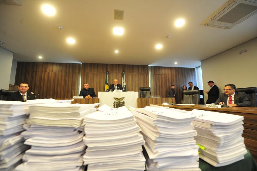 Mais de 200 páginas compõem o relatório final da CPI da JMK que será votado nesta terça-feira (10) na Comissão.