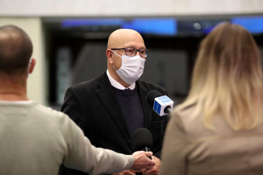 Deputado Luiz Claudio Romanelli (PSB), um dos autores do projeto de lei que suspende o prazo de validade dos concursos no Paraná.