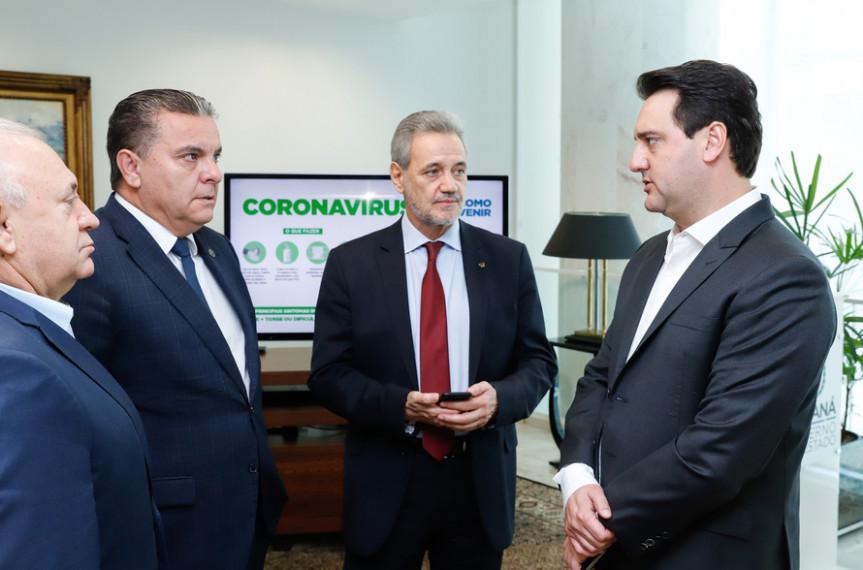 Presidentes de Poderes se unem para adotar medidas para conter o avanço do coronavírus.