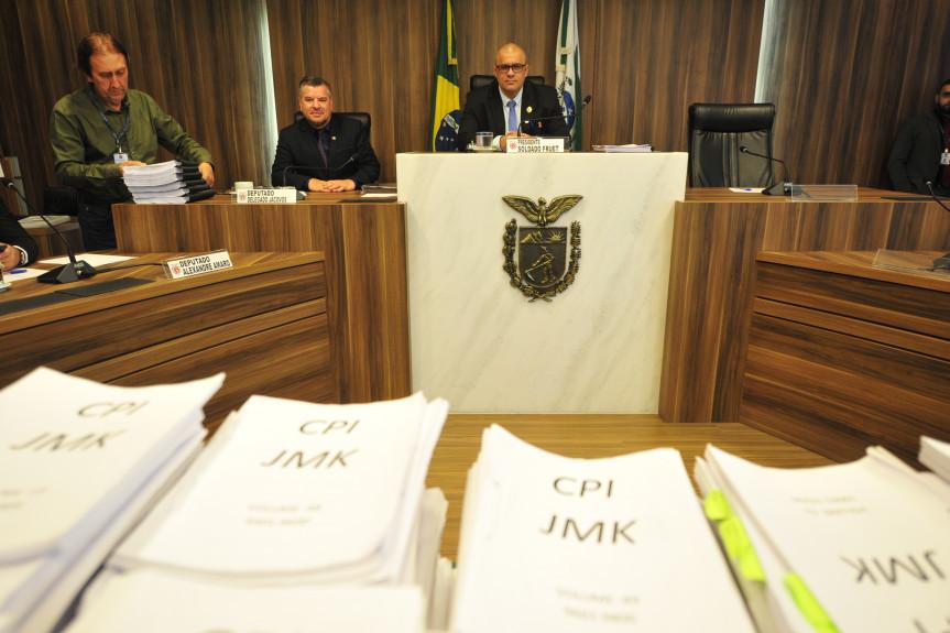 Relator da CPI da JMK apresenta relatório final dos trabalhos da Comissão.