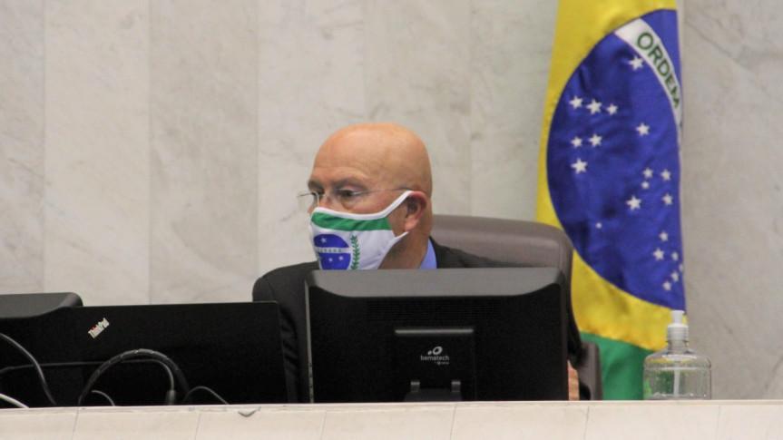Deputado Luiz Cláudio Romanelli (PSB), autor do projeto que adia prazo de validade de concursos públicos.