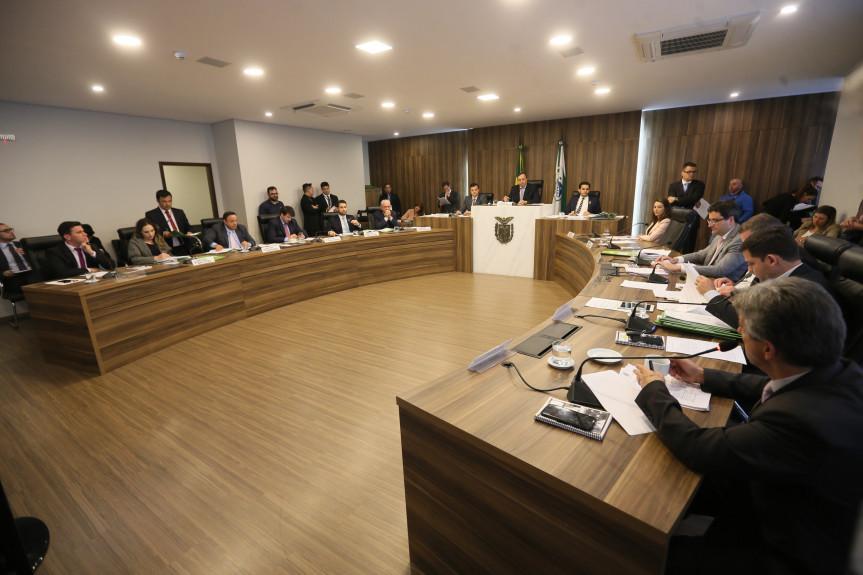 Reunião extraordinária da CCJ realizada nesta segunda-feira (09).