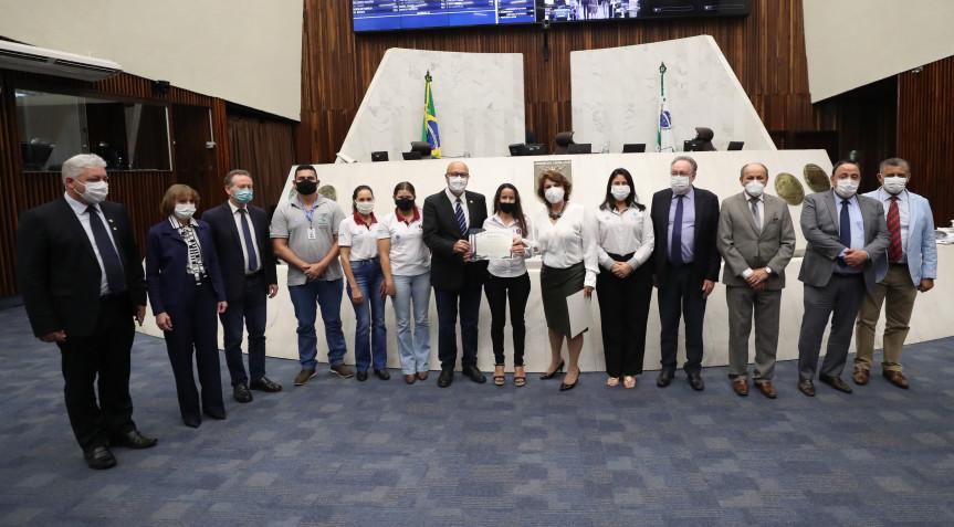 Mulheres produtoras de café especial no Norte Pioneiro recebem homenagem da Assembleia Legislativa.