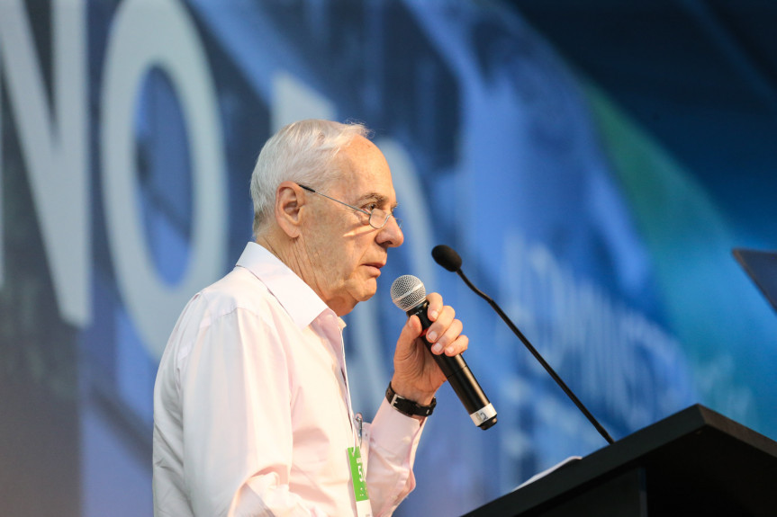 O ex-secretário Reinhold Stephanes foi indicado para o cargo de diretor-presidente da Agepar.