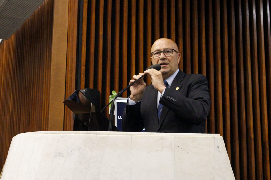 Debate é proposto pelo deputado Romanelli, primeiro secretário da Assembleia,  contrário à PEC do pacto Federativo que prevê a incorporação à municípios vizinhos de cidades com até 5 mil habitantes.