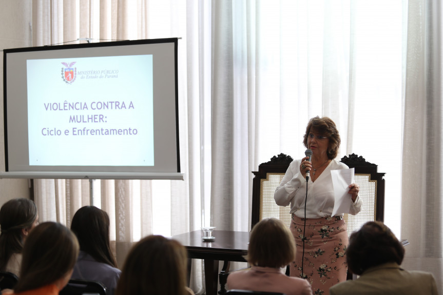 1º Encontro Estadual de Procuradorias da Mulher aconteceu na Assembleia Legislativa do Paraná.