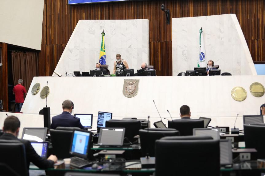 Proposta do Poder Executivo que trata da ponte de Guaratuba foi aprovada em segundo turno por unanimidade pelos parlamentares na forma de emenda modificativa