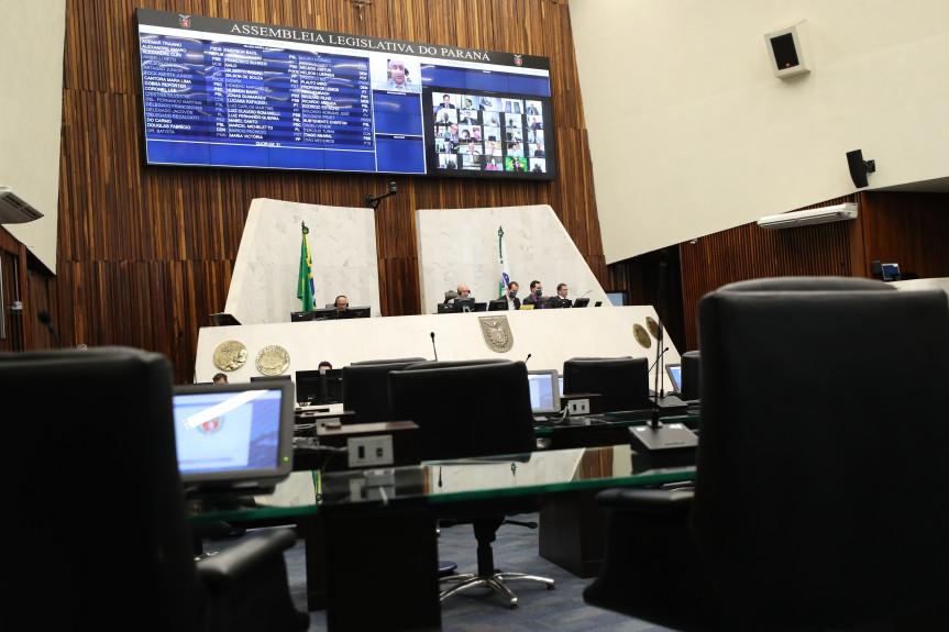 Proposta de regularização das dívidas co a Cohapar foi apresentada pelo Governo e aprovada pelos deputados na sessão plenária remota desta quarta-feira (25).