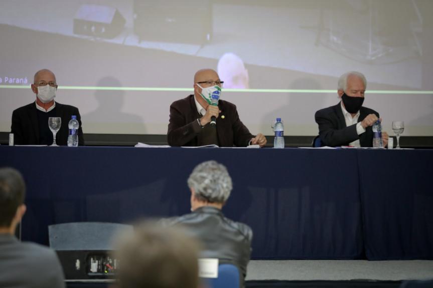 Projeto da engorda da praia de Matinhos foi apresentado em audiência pública.