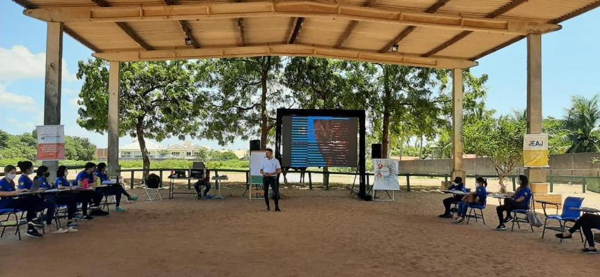 Em atividade desde 2017, a Associação Paranaense de Equoterapia e Inclusão Equestre poderá receber o título de Utilidade Pública.